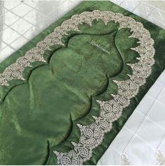 Seccade Muslim Prayer Mat, Prayer Rug, Pop Out Cards, Ramadan Decorations, Prom Dresses Blue, Hair Pins, Couture, Diy And Crafts, Prayers
