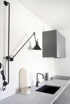 Via Time of the Aquarius | Minimal Scandinavian Kitchen | Black Grey