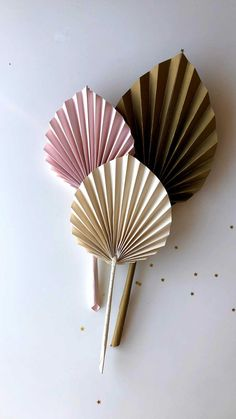 Diy Crafts Hacks, Diy Crafts For Gifts, Diy Home Crafts, Decor Crafts, Diy Projects, Paper Flowers Craft, Easy Paper Crafts, Diy Flowers, Diy Paper