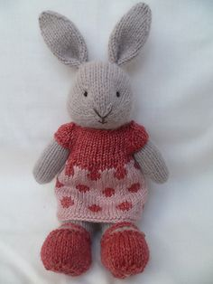 Mona a hand knitted bunny rabbit by JustPeri on Etsy Knitted Bunnies, Knitted Animals, Crochet Bunny, Knitted Dolls, Knit Or Crochet, Bunny Rabbits, Little Cotton Rabbits, Original Design, Rabbit Toys