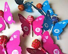 Buongiorno!   Cosa regalare agli invitati di un baby compleanno?  Ecco alcune realizzazioni create sbirciando nel grande www!!!      Fiori p...