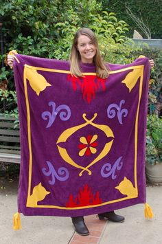Magic Carpet costume Gotta make this to stick with the family theme this year :)