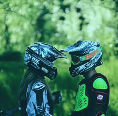This dirt bike yamaha is genuinely an extraordinary style conception. Dirt Bike Couple, Motocross Couple, Biker Couple, Motocross Girls, Motorcycle Couple, Motorcycle Rides, Motorcycle Quotes, Motorcycle Garage, Bike Funny