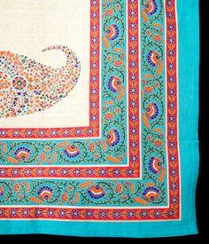 マルチクロス - インド綿の金色模様付き ペイズリー柄【約225cm×約140cm】の写真3