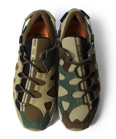 【予約】ASICS × BEAMS 別注のスペシャルスニーカー|ビームス 恵比寿|BEAMS Camo Shoes, Men's Shoes, Shoe Boots, Shoes Sneakers, Girls Sneakers, Sneakers Fashion, Camo Designs, Shoes 2016, Baskets