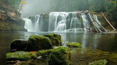Papel de Parede Cachoeira e Névoa