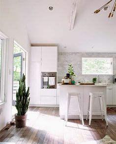 Bright and fresh kitchen