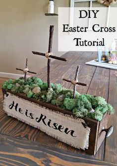 A beautiful and simple DIY Easter Cross decoration that can be used anywhere in the house. Check out this easy tutorial to make your own! diy cricut How to Make a Wooden Cross for Beautiful Decor - Leap of Faith Crafting Hoppy Easter, Easter Bunny, Easter Dyi, Easter Food, Crosses Decor, Diy Ostern, Easter Cross, Easter Projects, Art Projects