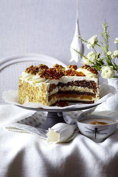 Unser beliebtes Rezept für Walnuss-Vanillecreme-Torte mit Karamellsplittern und mehr als 55.000 weitere kostenlose Rezepte auf LECKER.de.