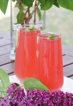 Kompot z rabarbaru. Rhubarb Compote, Polish Recipes, Liquor, Drinks, Kitchens, Drinking, Alcohol, Beverages, Polish Food Recipes