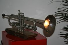 Desk Lamp, Table Lamp, Musical Instruments, Lightning, Home Decor, Good Ideas, Music Instruments, Table Lamps, Decoration Home