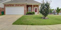 Super Cute 4BR/2BA Home in Sought After Arlington Neighborhood~Large Great Room w/ Fireplace, Built-Ins