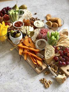 Diner Recipes, Good Food, Yummy Food, Quorn, Wine Glass Holder, Wine Parties, Vegan Snacks, High Tea, Tapas