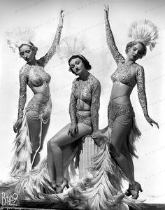 Burlesque Showgirl Dancers by Bruno of Hollywood Burlesque Outfit, Burlesque Costumes, Burlesque Classes, Vintage Glamour, Vintage Beauty, Vintage Hollywood, Hollywood Glamour, Mode Vintage, Vintage Ladies