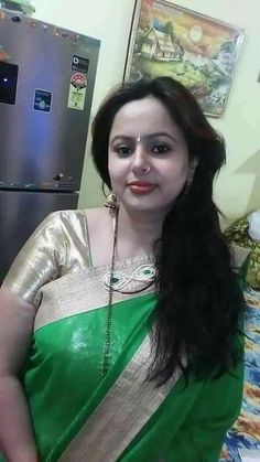 mobile numbers of unseen new unknown 2018 aunties from bangalore are ready Beauty Full Girl, Real Beauty, Beauty Women, Beautiful Indian Brides, Most Beautiful Indian Actress, Beautiful Housewife, Indian Girls Images, Saree Photoshoot, Indian Beauty Saree