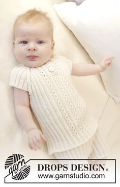 "Knitted DROPS singlet in rib, worked top down in ""Baby Merino"". Size premature -4 years. Free pattern by DROPS Design."