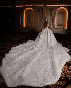 Fancy Wedding Dresses, Wedding Dresses With Flowers, Couture Wedding Gowns, Princess Wedding Dresses, Perfect Wedding Dress, Bridal Dresses, Wedding Dress Cathedral Train, Wedding Dress Train, Beautiful Gowns