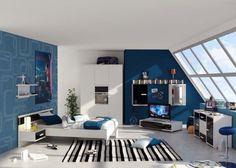 aménagement chambre d'un garçon adolescent -lit blanc suspendu, mobilier en noir et blanc et peinture murale bleue
