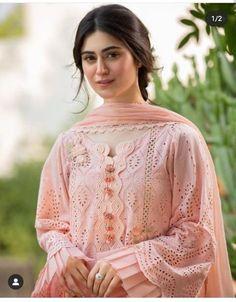 Beautiful Pakistani Dresses, Pakistani Dresses Casual, Pakistani Dress Design, Stylish Dresses For Girls, Stylish Dress Designs, Simple Dresses, Stylish Girl, Elegant Dresses, Sleeves Designs For Dresses