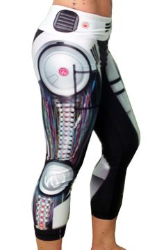 Women's Robot Capris Side - i've been so excited since i started crossfit again! Workout Attire, Workout Wear, Workout Outfits, Workout Tanks, Workout Capris, Cycling Workout, Running Pants, Running Gear, Yoga Pants