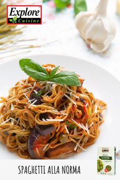 This vegan spaghetti alla norma that is the perfect meal. Made with Explore Cuisine's Edamame Spaghetti. Edamame Spaghetti, Vegan Spaghetti, How To Make Spaghetti, Unique Recipes, Organic Recipes, Ethnic Recipes, Vegan Dishes, Tasty Dishes, Spaghetti Alla Norma