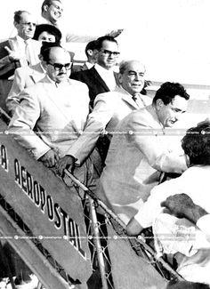 Rómulo Gallegos regresa a Venezuela procedente de México, donde se encontraba exiliado, en compañía de otros compatriotas víctimas de la dictadura de Pérez Jiménez. Foto: Archivo Fotográfico/Cadena Capriles