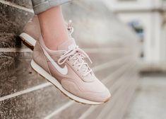 best sneakers 4c80b df1af Nike Outburst Neue Wege, Mädchen Turnschuhe, Turnschuhe Nike, Reebok,  Pumas, Ausbilder