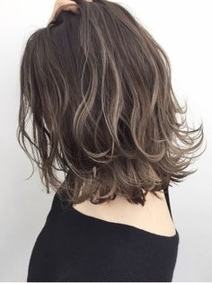 Layered Haircuts For Medium Hair, Haircuts For Fine Hair, Short Wavy Hair, Medium Hair Cuts, Medium Hair Styles, Curly Hair Styles, Brown Hair With Blonde Highlights, Hair Highlights, Professional Hair Color