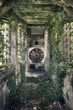 Abandoned water power station in italy. Photo by Sven Fennema
