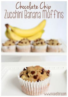 Chocolate Chip Zucchini Banana Muffins - a perfect use for overripe bananas and a great way to sneak some veggies into your child& diet. They& picky toddler approved too! Banana Zucchini Muffins, Banana Bread, Köstliche Desserts, Delicious Desserts, Yummy Food, Tasty, Baby Food Recipes, Snack Recipes, Gourmet