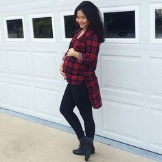 It's officially flannel weather! #preggonista #maternitystyle #maternityfashion #pregnancystyle #pregnancyfashion