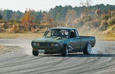 Datsun 620 drifting