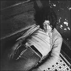 Peter Hujar: Girl in my hallway (1978)