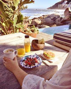 Breakfast in paradise! Like to join? #oddmolly #peaceandeverything #atmosphereblouse