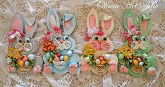 Oliwia Art Deko: Baranki wielkanocne 2015 :) Christmas Cards, Christmas Ornaments, Diy And Crafts, Bunny, Art Deco, Holiday Decor, Easter Ideas, Animals, Objects
