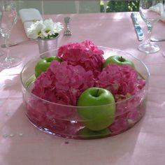 Décorations rose (fushia) et vert (anis)