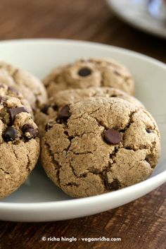 These Gluten free Vegan Chocolate chip cookies are easy and perfect for the snack attack. palm oil free, dairy free recipe
