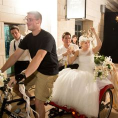 Pedicab Transportation | Riverside Pedicab | David Sixt Photographic | TheKnot.com