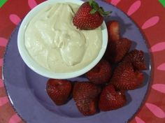 raw cashew cream cheese dip- dairy and gluten free Dairy Free Dips, Dairy Free Recipes, Raw Food Recipes, Snack Recipes, Dessert Recipes, Snacks, Cashew Recipes, Vegetarian Desserts, Vegan Food
