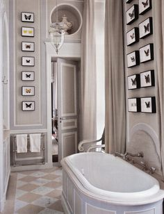 Following the trend of using large tile patterns. Love how evokes sophistication and class.