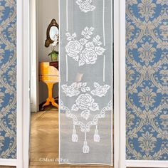 Yarns to realize the crochet filet curtain with flowers Bohemian Curtains, Filet Crochet Charts, Crochet Curtains, Easter Parade, Blue Wallpapers, Crochet Lace, Boho Decor, Pattern, Furniture