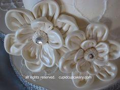 Gumpaste Fabric Flowers by Cupid Cupcakery