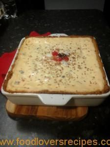 In en om die huis: Gebakte miljoeners kaaskoek Tart Recipes, Cheesecake Recipes, Sweet Recipes, Baking Recipes, Dessert Recipes, Yummy Recipes, Recipies, Pie Dessert, Pudding Recipes