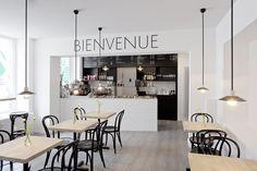 Café Métropolitain in Hamburg / designed by Parat