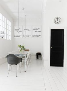 Interior Designed: Black and White Spaces - The Shabby Creek Cottage