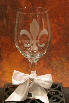FLEUR DE LIS WINE GLASS  SPARKLY by melaniedupuy on Etsy, $12.00