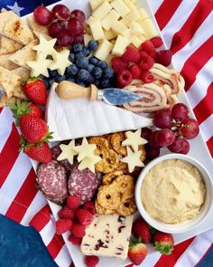 Looking for snacks that will score big this weekend? This cheese tray will have your guests cheering for more! An assortment of different cheeses, crackers and berries create a spectacular patriotic presentation and the perfect appetizer! 4th Of July Desserts, Fourth Of July Food, 4th Of July Celebration, 4th Of July Party, Patriotic Party, July 4th Appetizers, 4th Of July Cocktails, Fourth Of July Recipes, 4th Of July Food Sides