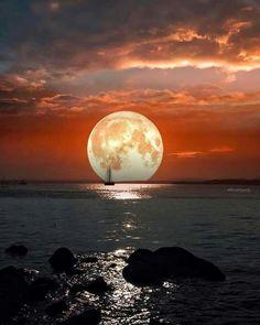 Luna llena y mar en calma
