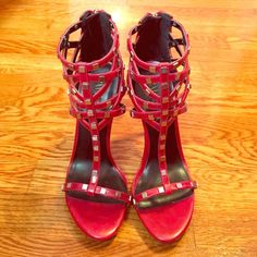 Red mirrored heels. Worn only once! Size 7 Size:7 these are true to size! Worn only once. Basically new. Heel height seems to be around 5 inches. Color: red Shoe Dazzle Shoes Heels