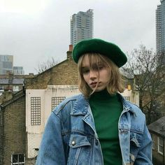 Green Outfit – Best Outfits to Wear Mode Outfits, Casual Outfits, Fashion Outfits, Womens Fashion, Fashion Fashion, Fashion Ideas, Denim Outfits, Ulzzang Fashion, Green Fashion